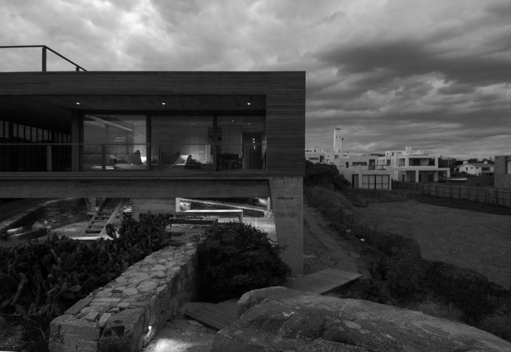 Mathias klotz en jos ignacio sobrearquitecturas for Casa la roca